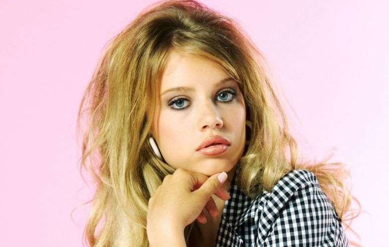 Xenia Tchoumitcheva Formal shirt Glance Girls blonde f wallpaper