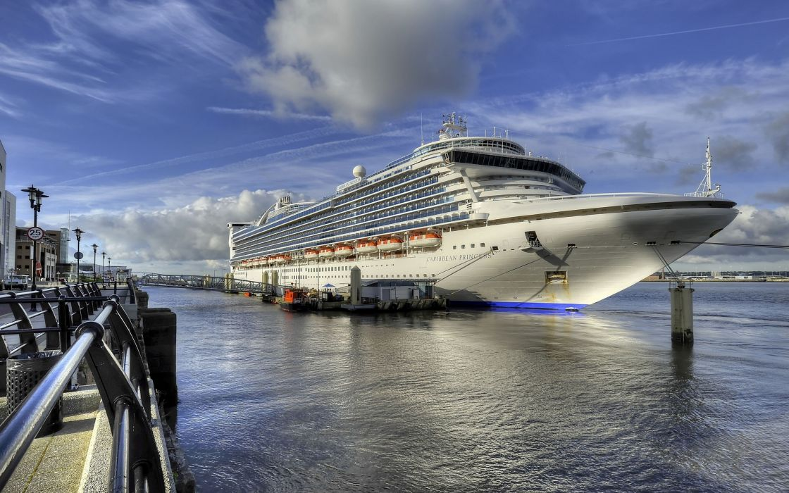 Caribbean Princess ship berth wallpaper