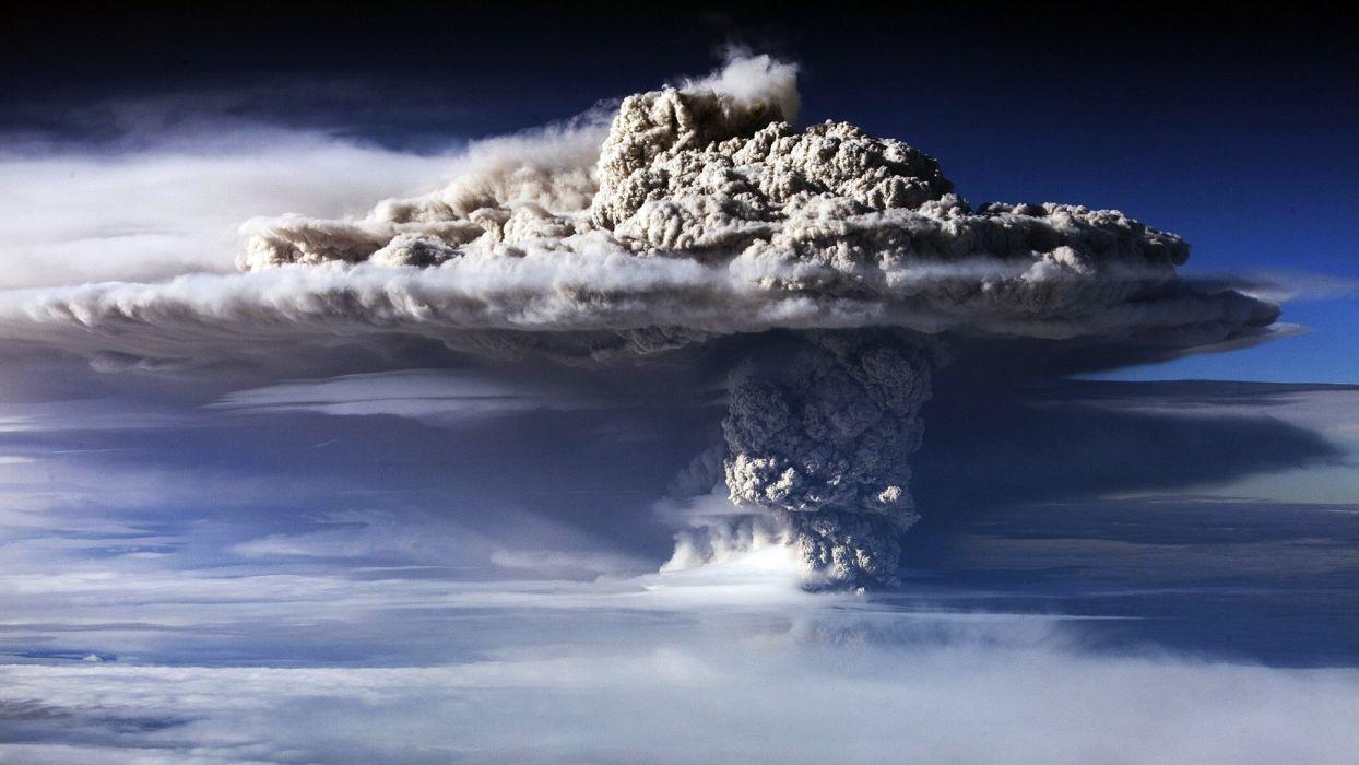 Volcano Eruption Smoke Clouds wallpaper