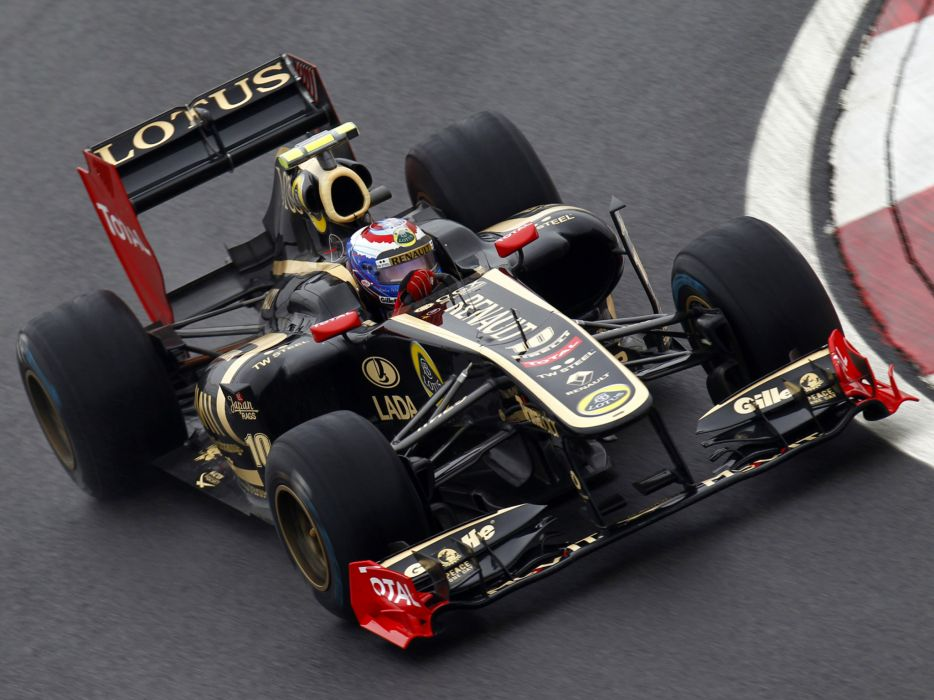 2011 Renault R31 formula-1 formula one f-1 race racing  f wallpaper