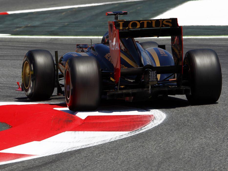 2011 Renault R31 formula-1 formula one f-1 race racing wheel wheels      f wallpaper