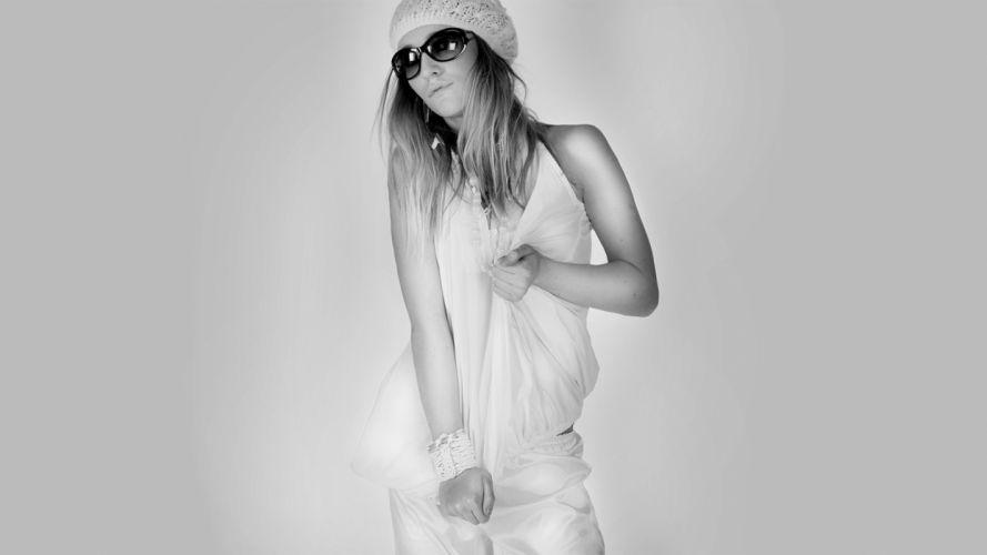 women sunglasses monochrome hats wallpaper