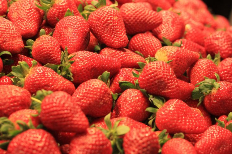 Fruit Strawberry Red Food wallpaper