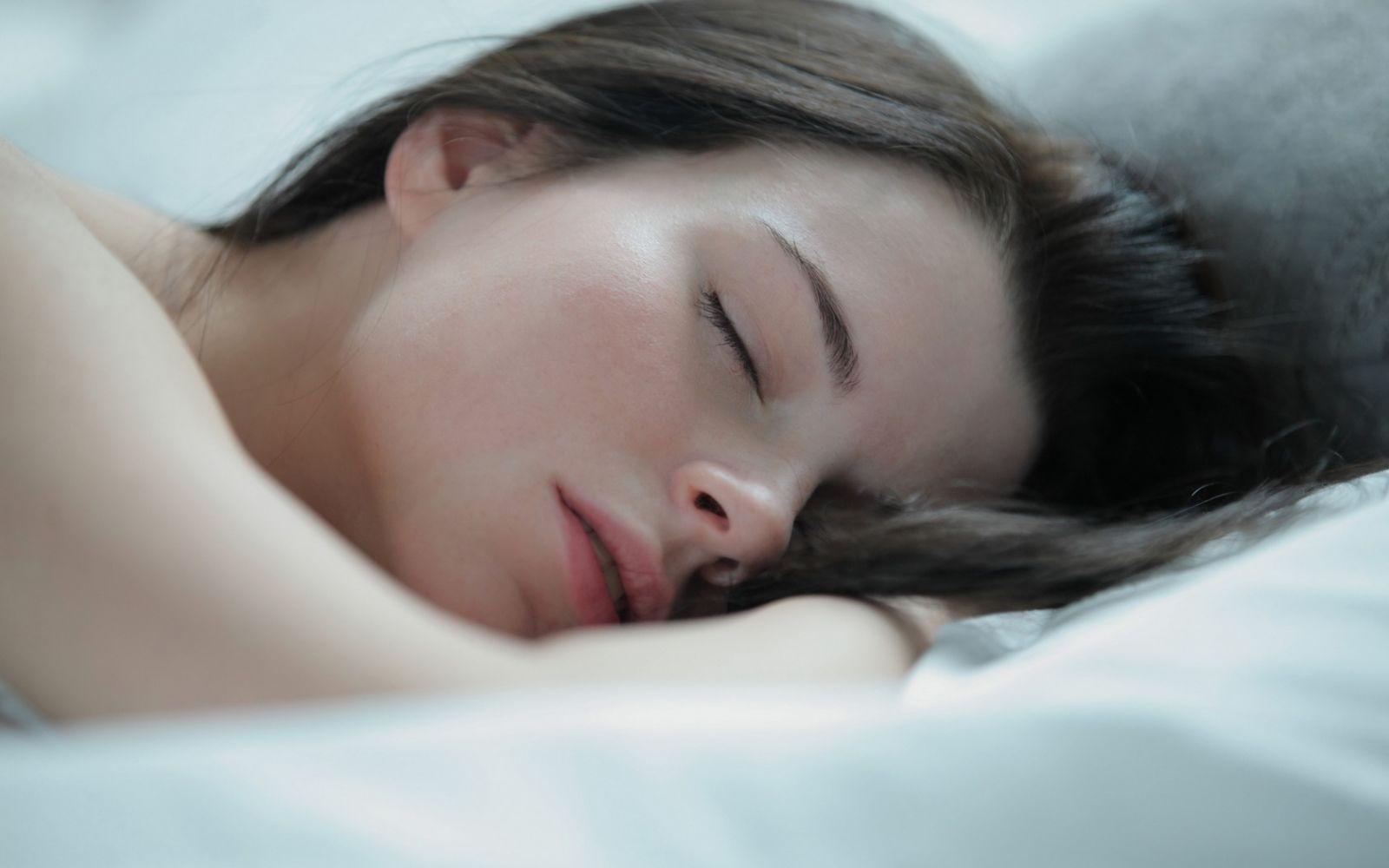 nude-teen-girl-sleeping-pictures