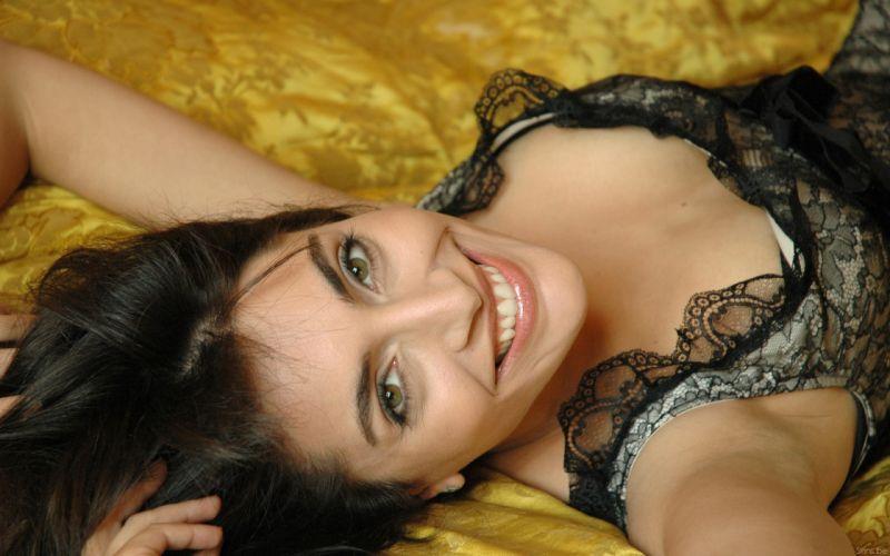 Caterina Murino actress brunette g wallpaper