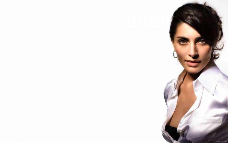 Caterina Murino actress brunette i wallpaper