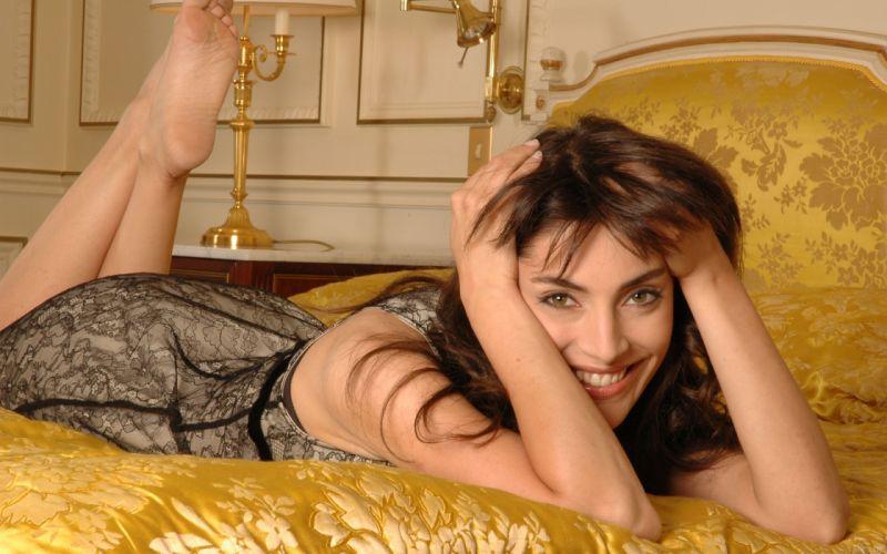 Caterina Murino actress brunette g3 wallpaper