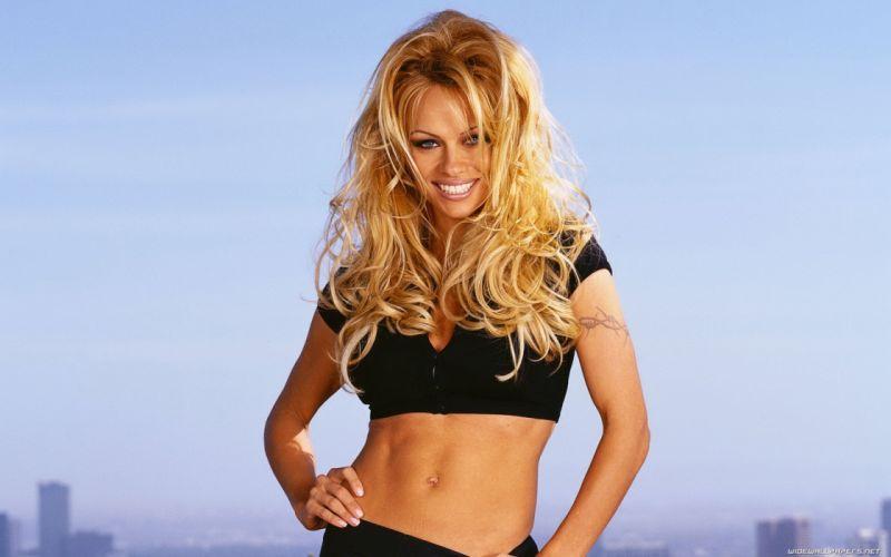 Pamela Anderson pam blonde fe wallpaper