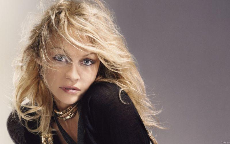Pamela Anderson pam blonde wallpaper