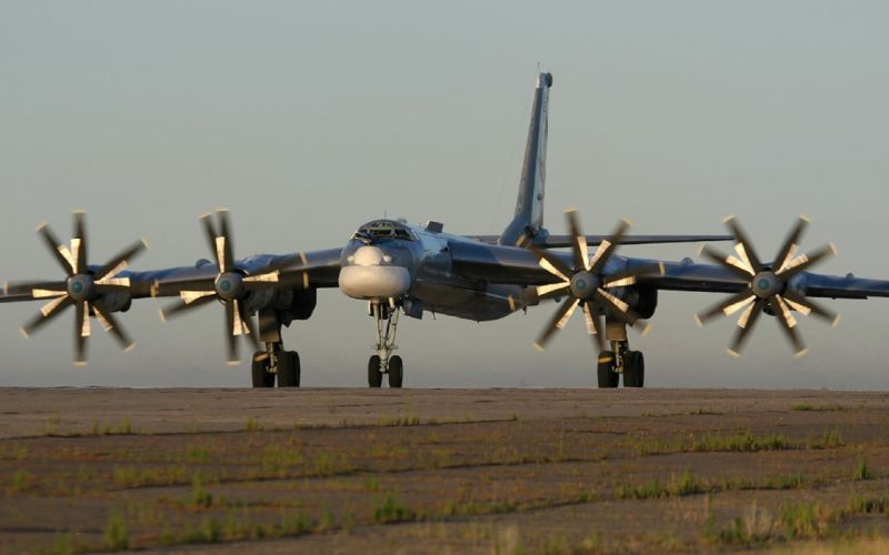plane bomber Tu-95 russian military wallpaper