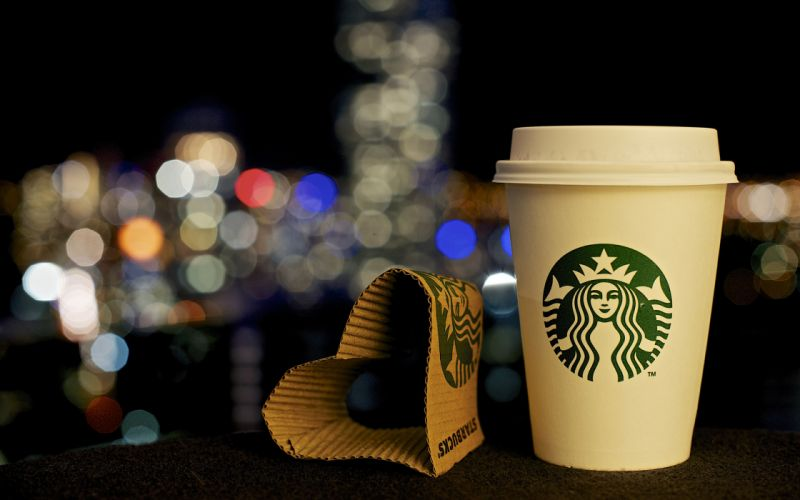 Starbucks Coffee Logo Cup Bokeh Night Heart wallpaper