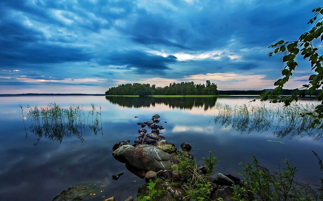 summer lake Reflection wallpaper