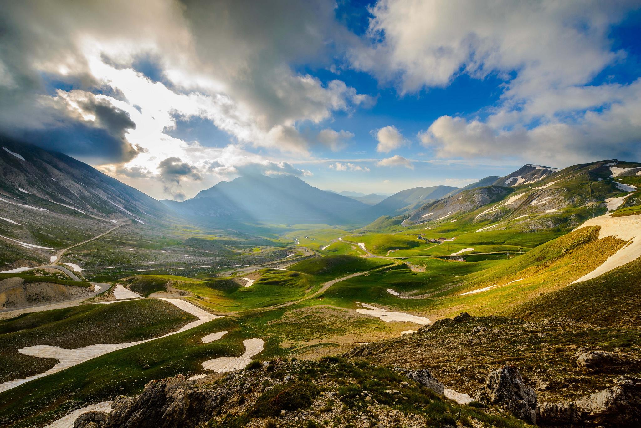Italy mountains valley sky light wallpaper | 2048x1367