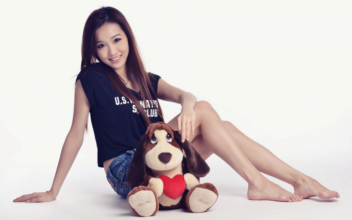 toy asian brunette wallpaper