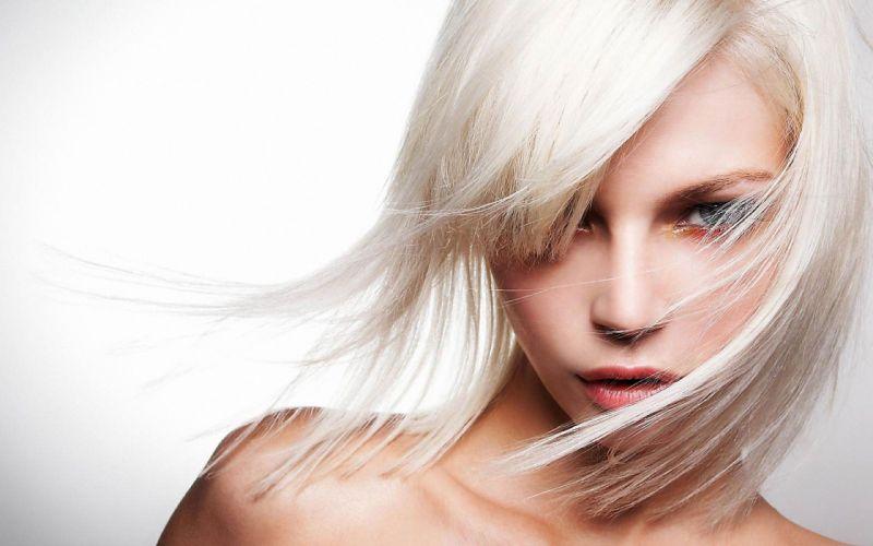 Blonde Woman wallpaper