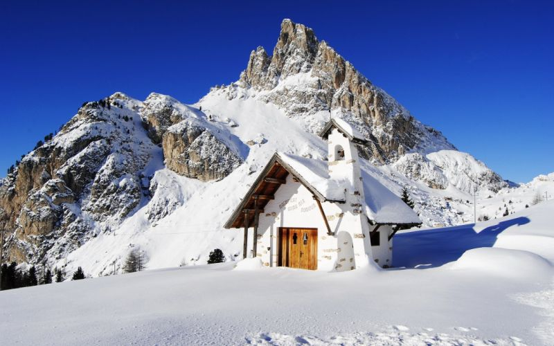 mountain house landscape snow wallpaper