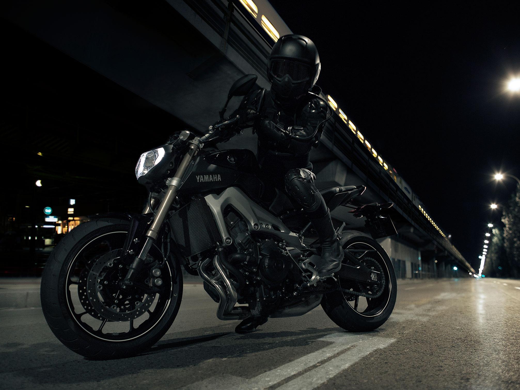 2014 Yamaha FZ-09 Bike Motorbike Wallpaper