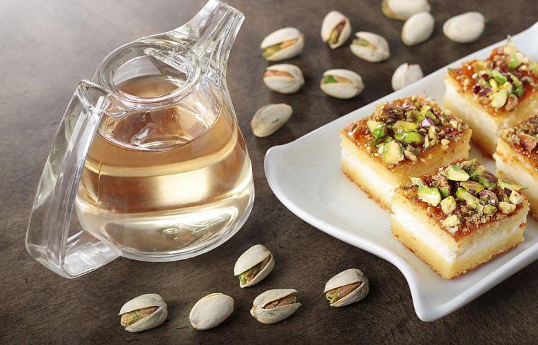 cake pistachios pitcher dessert wallpaper