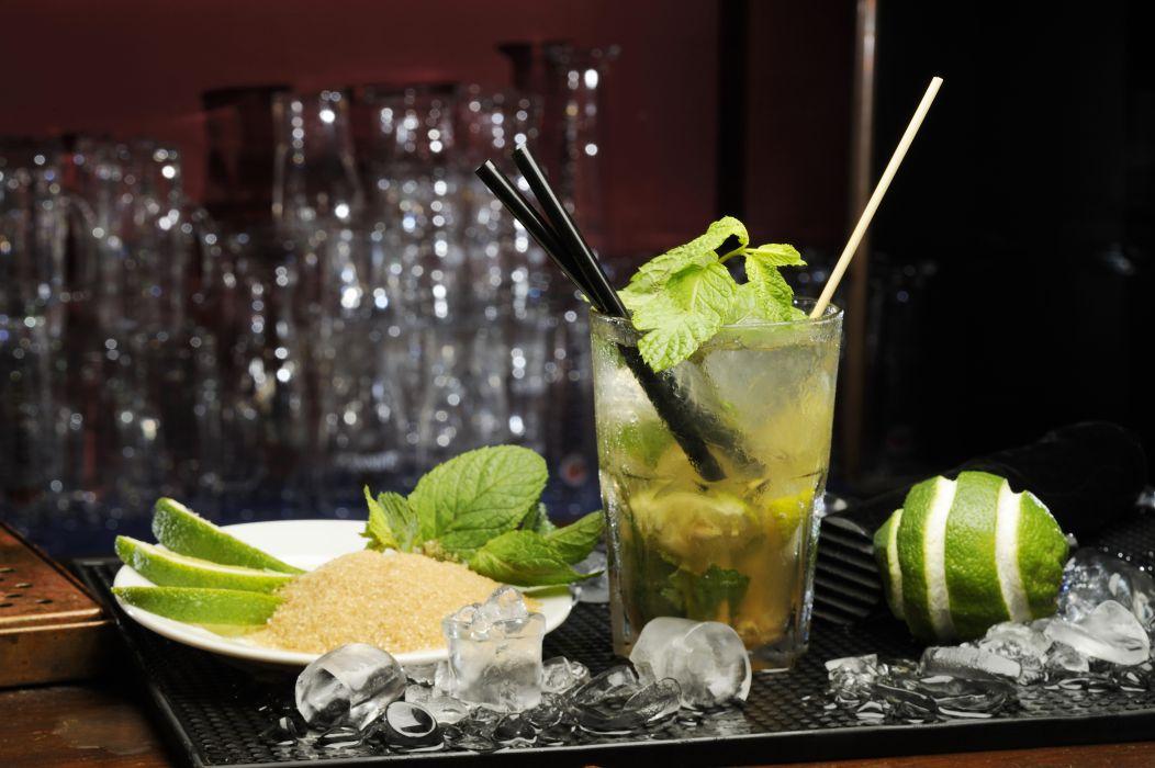 cocktail mojito drink lime ice mint sugar glass alchohol wallpaper