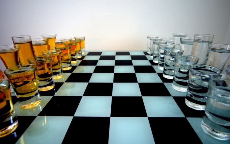 Chess Drinks Wodka & Whisky wallpaper