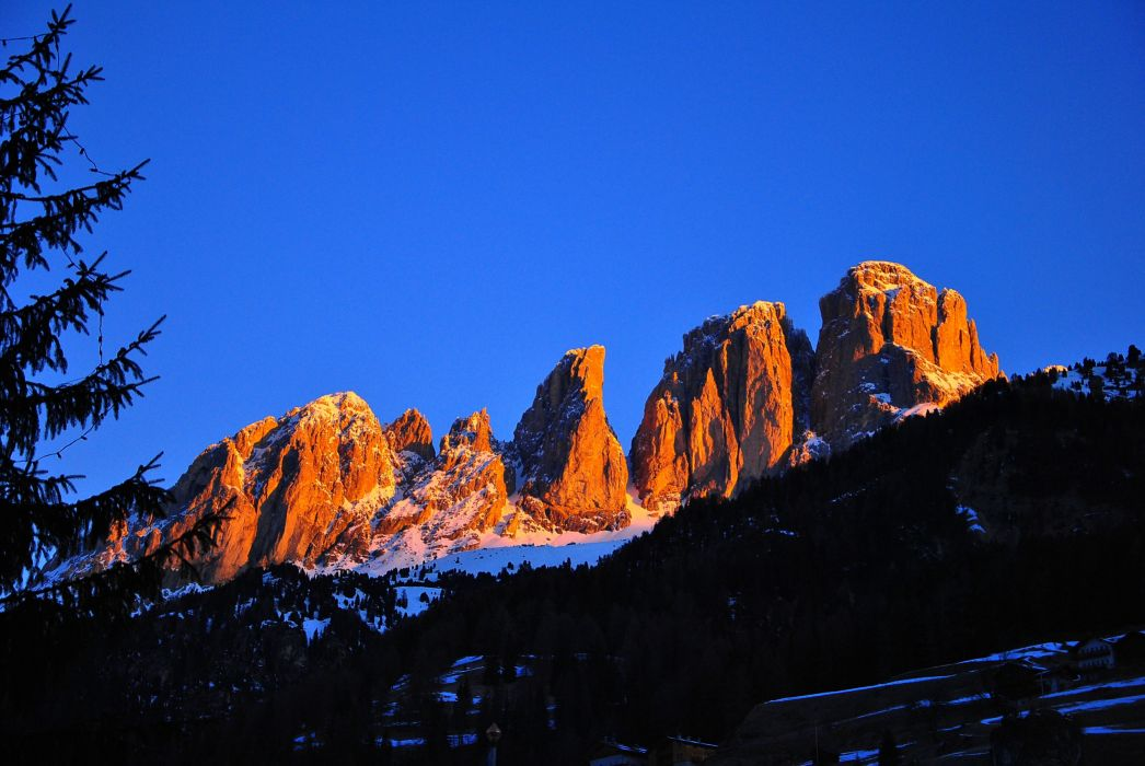 Italy mountains rocks trees landscape wallpaper