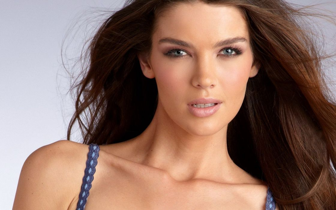 Girl Woman Beauty Natasha Barnard Fashion Model wallpaper