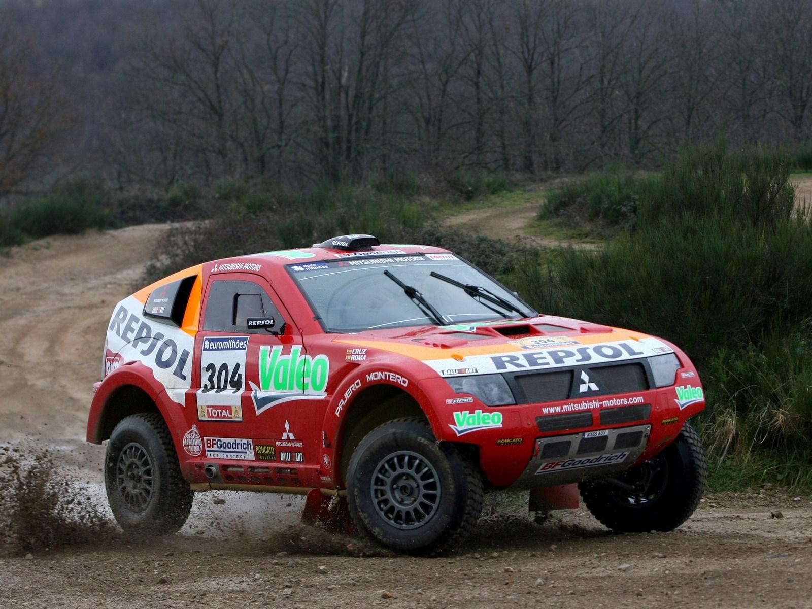 2007 Mitsubishi Pajero Montero Evolution MPR13 Dakar race racing suv offroad g wallpaper ...