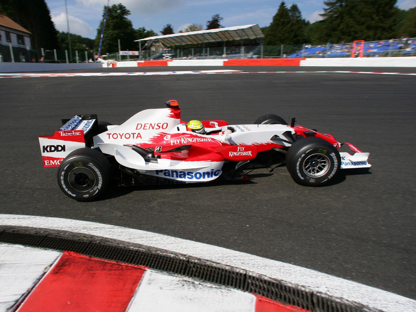 Toyota F1, equipe histórica de Formula 1 de 2007 - by wallpaperup.com