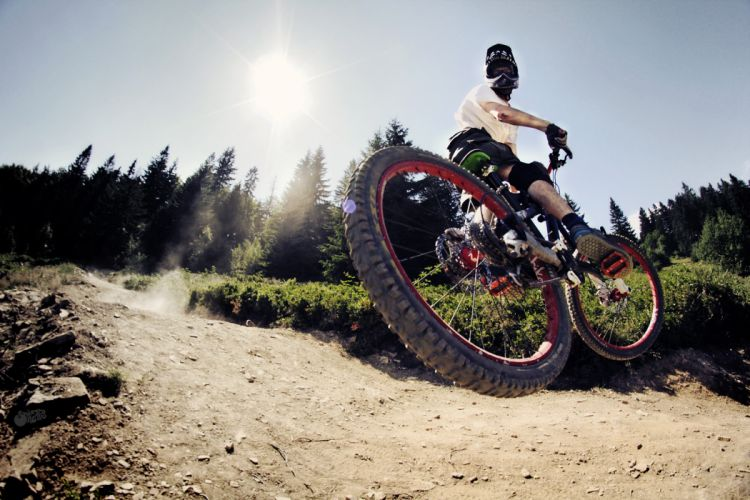 Mountain Bike Bicycle Jump Stop Action Sunlight race racing extreme wallpaper