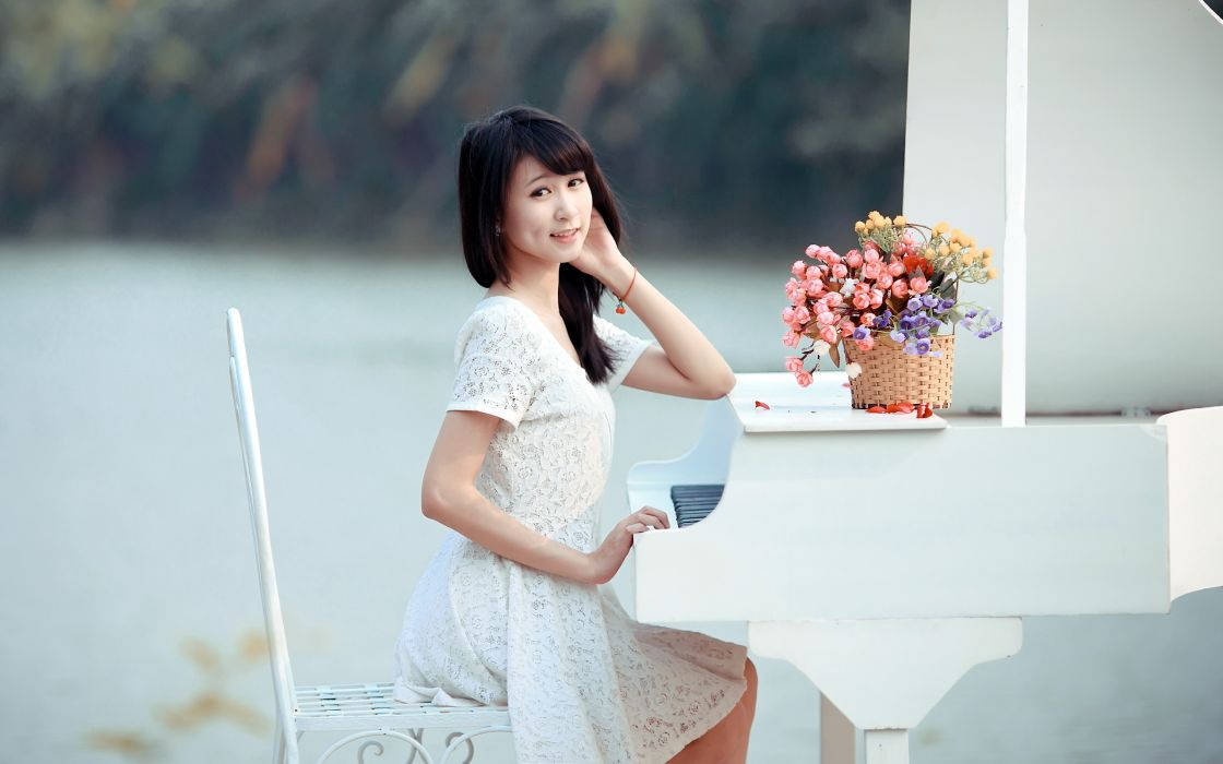 Asian Piano Girls wallpaper