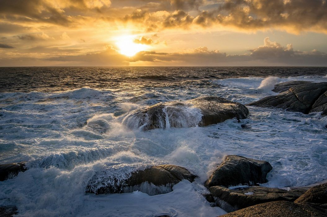 landscape sunrise sea ocean rocks surf sun clouds wallpaper