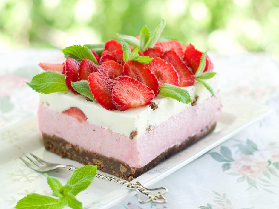 dessert cake cake strawberries berries sweet food wallpaper