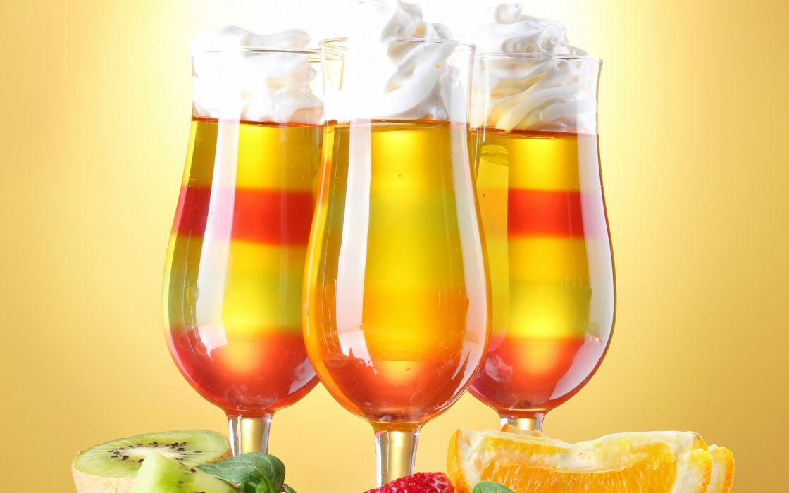 cocktails glasses fruit strawberry kiwi orange dessert wallpaper