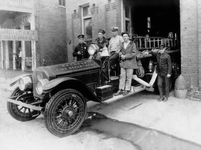 1915 American LaFrance Type-75 Firetruck retro wallpaper