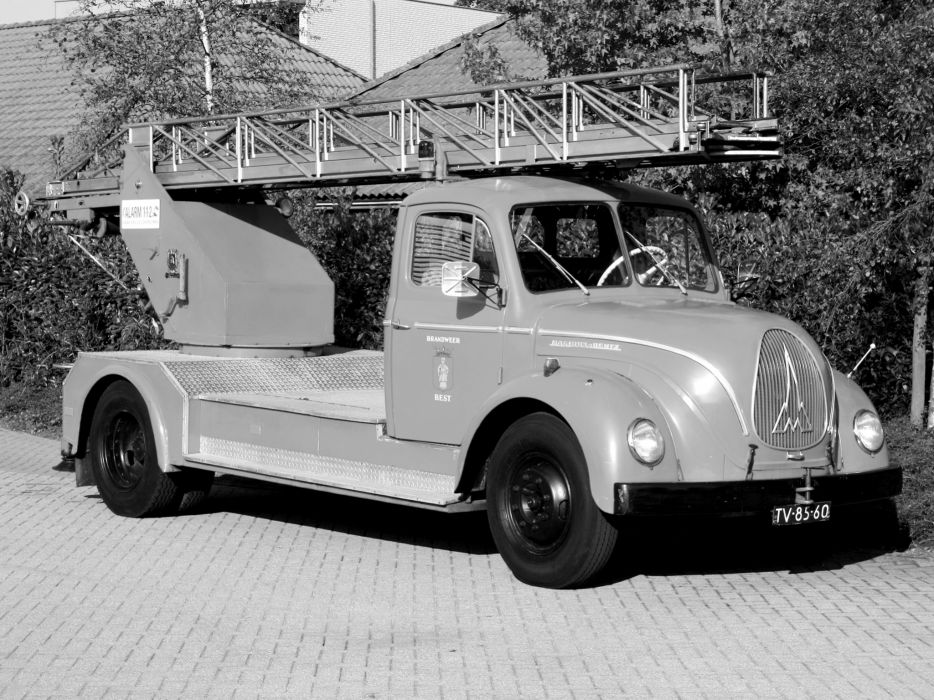 1951 Magirus-Deutz F125 Mercur Lift firetruck retro wallpaper