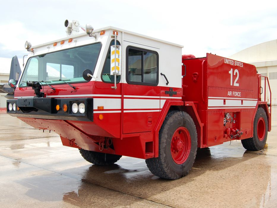 1984 Oshkosh P19 firetruck military 4x4 wallpaper
