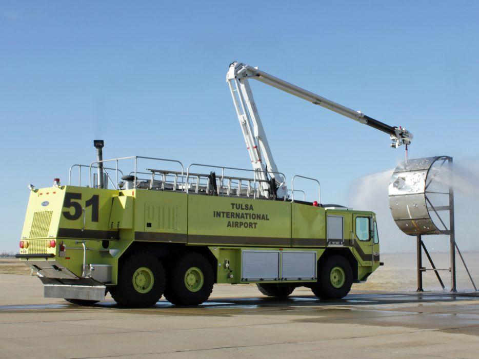 Oshkosh Striker 3000 ARFF firetruck wallpaper