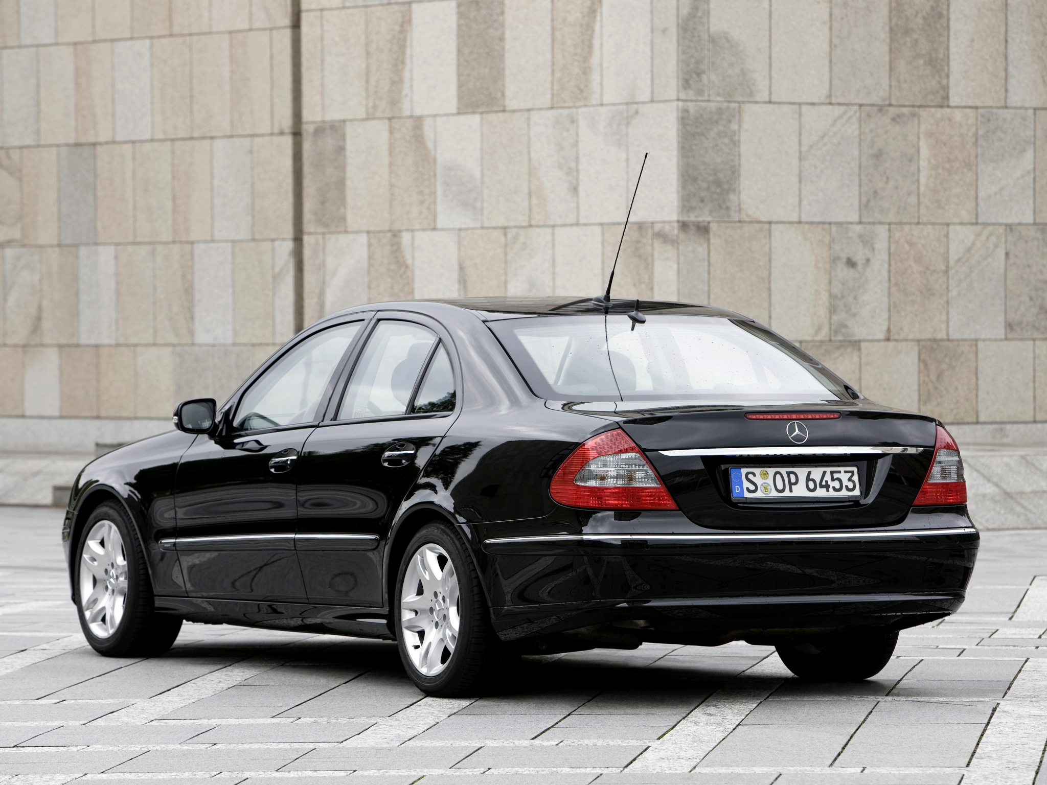 2006 armored mercedes benz e klasse guard w211 luxury for Mercedes benz armored