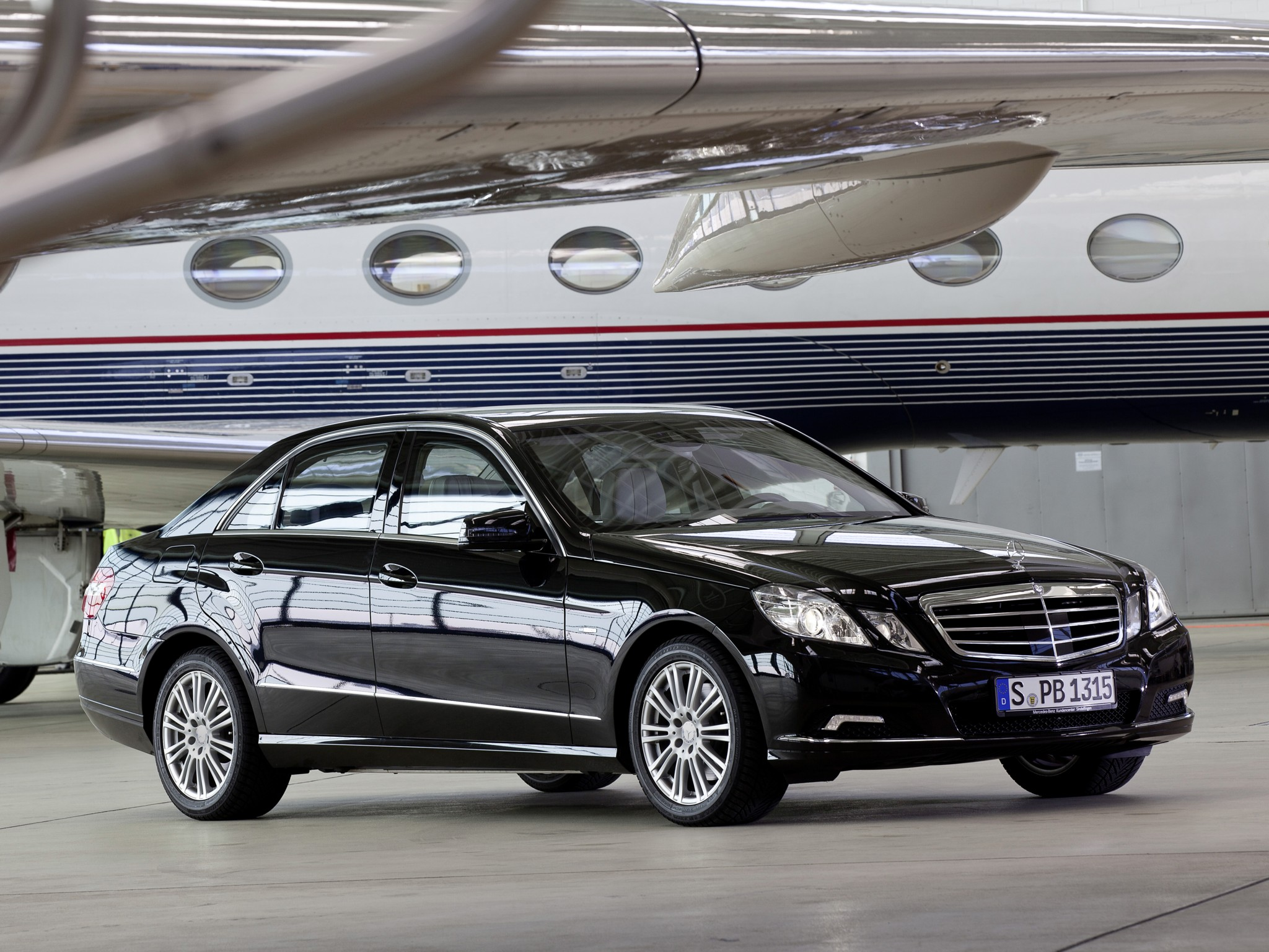 2009 armored mercedes benz e klasse guard w212 luxury gf for Mercedes benz armored