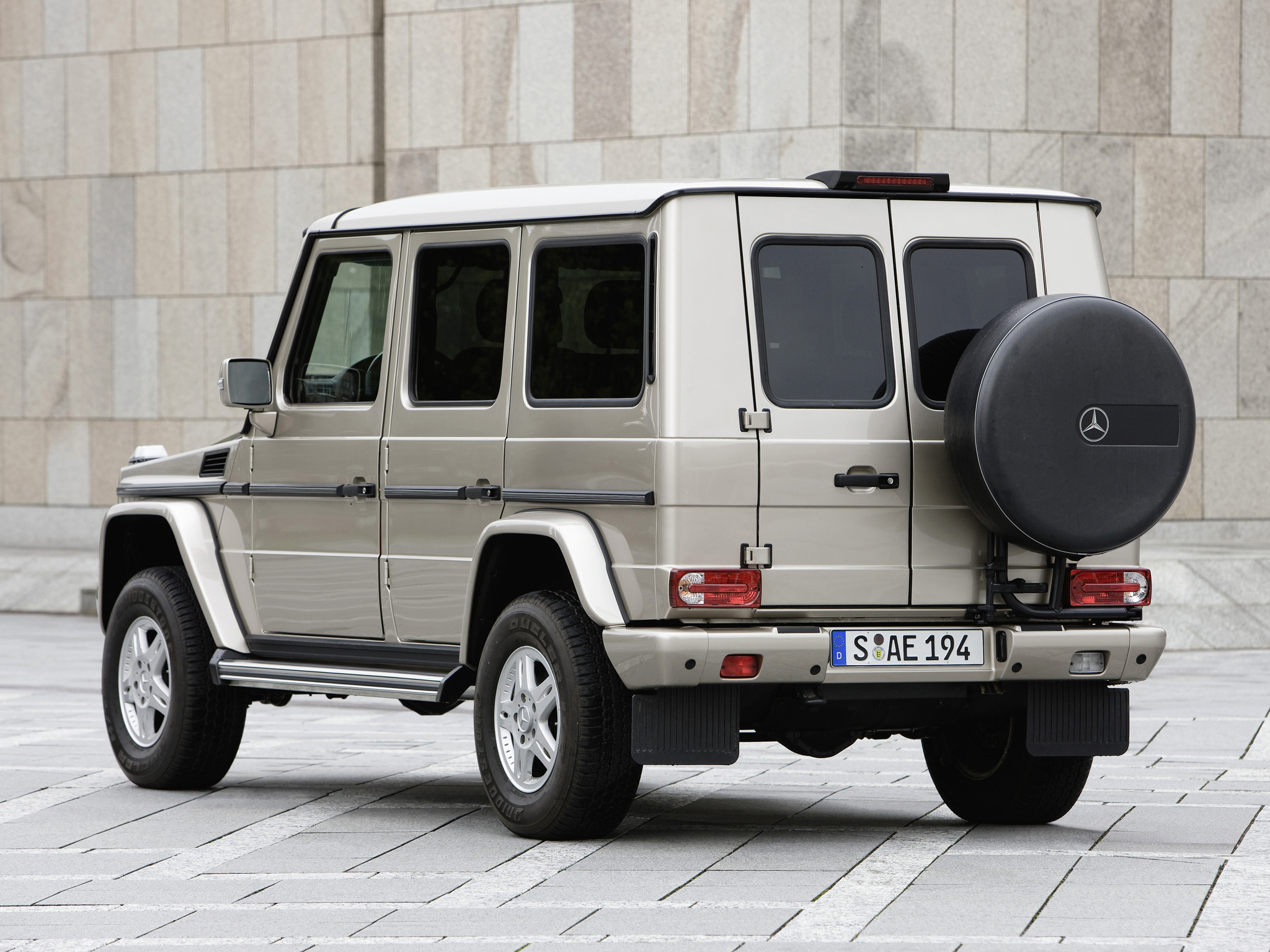 2009 Armored Mercedes Benz G 500 Guard W463 Suv 4x4 Wallpaper 2048x1536 130323 Wallpaperup
