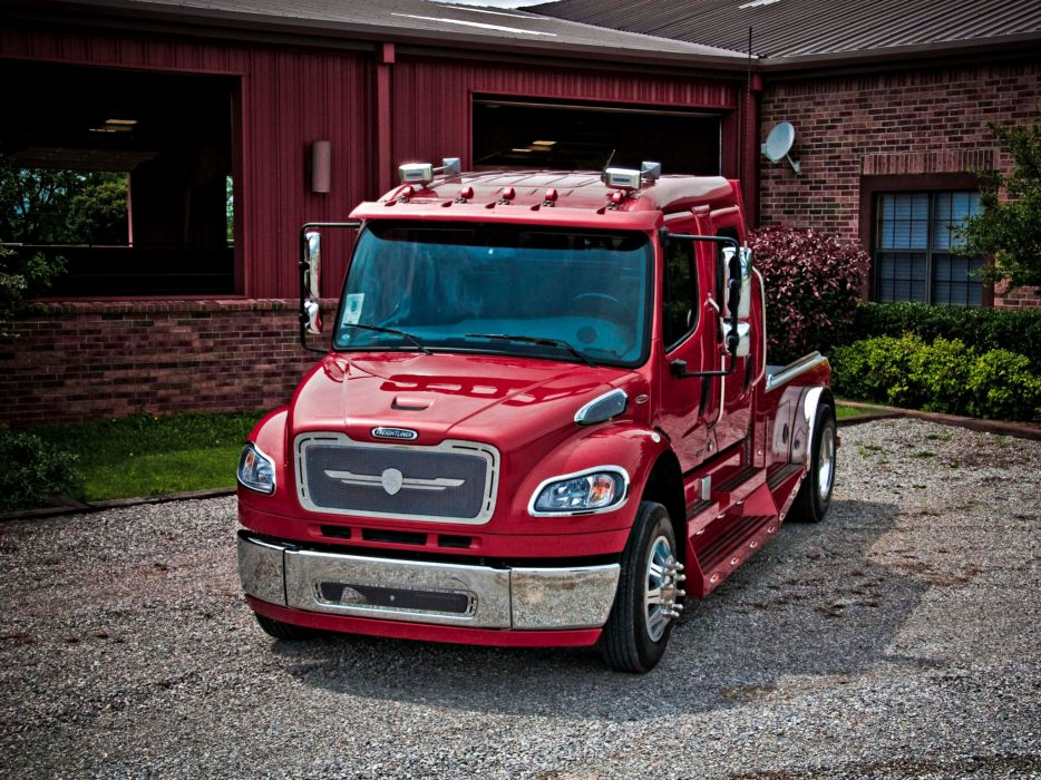 2004 STRUT Freightliner Business Class M-2 Sportchassis Grille semi tractor     f wallpaper