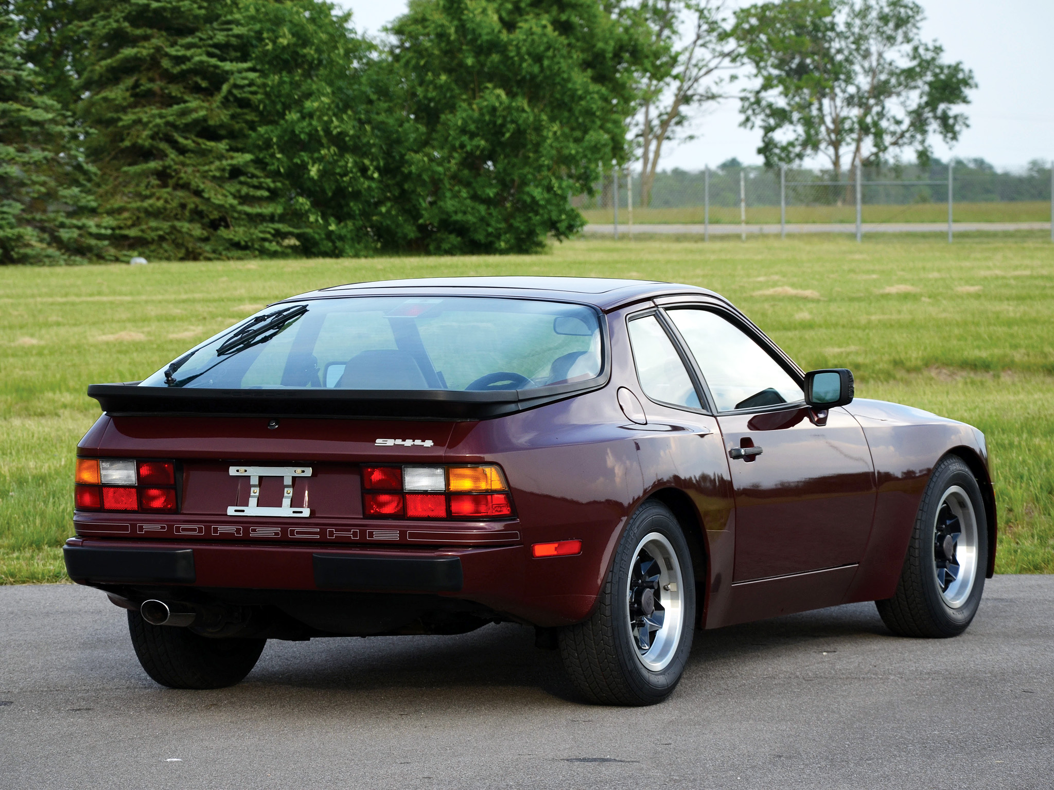 1982 Porsche 944 Coupe US-spec g wallpaper | 2048x1536 | 131466
