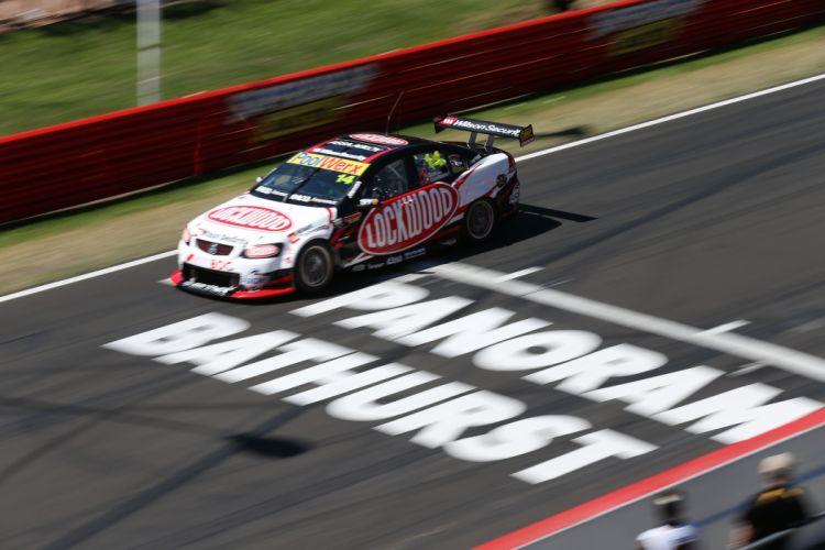 Aussie V8 Supercars race racing v-8 h wallpaper