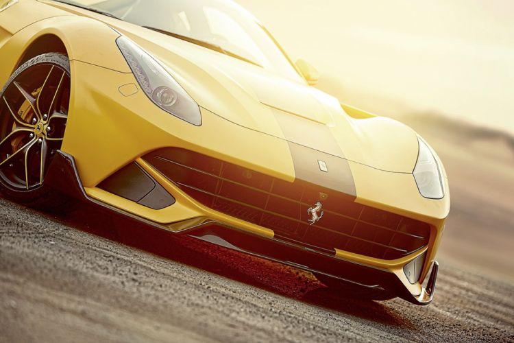 2013 Ferrari F12 Berlinetta supercar wallpaper