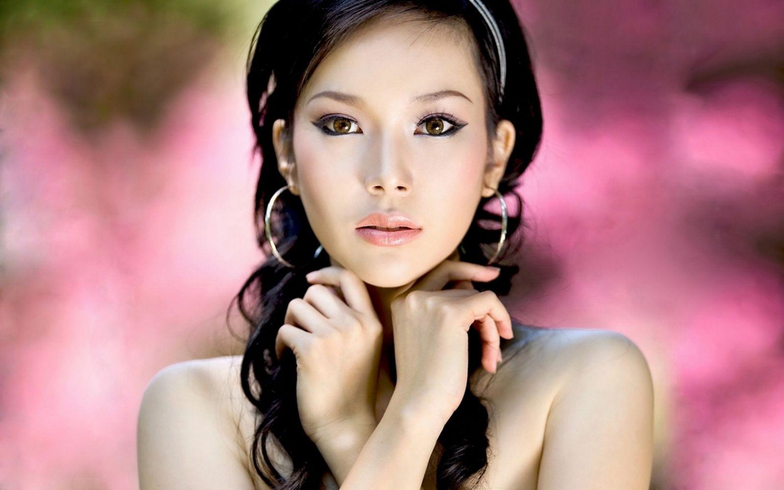 Азиатские женщины любят европейцев