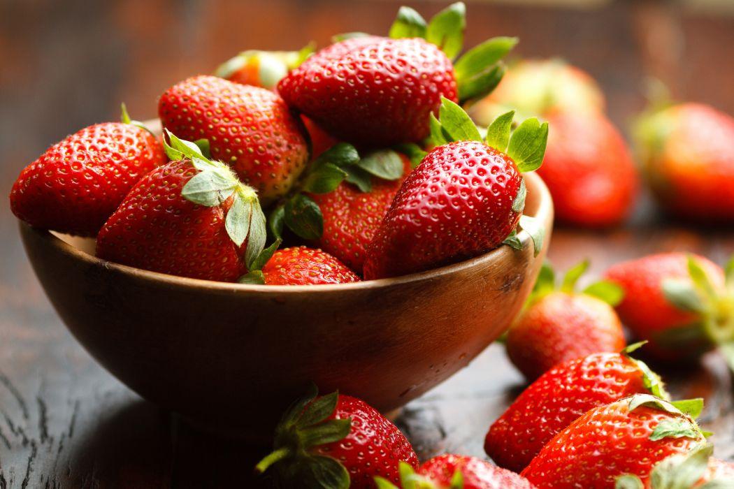 berries strawberries bowl wallpaper