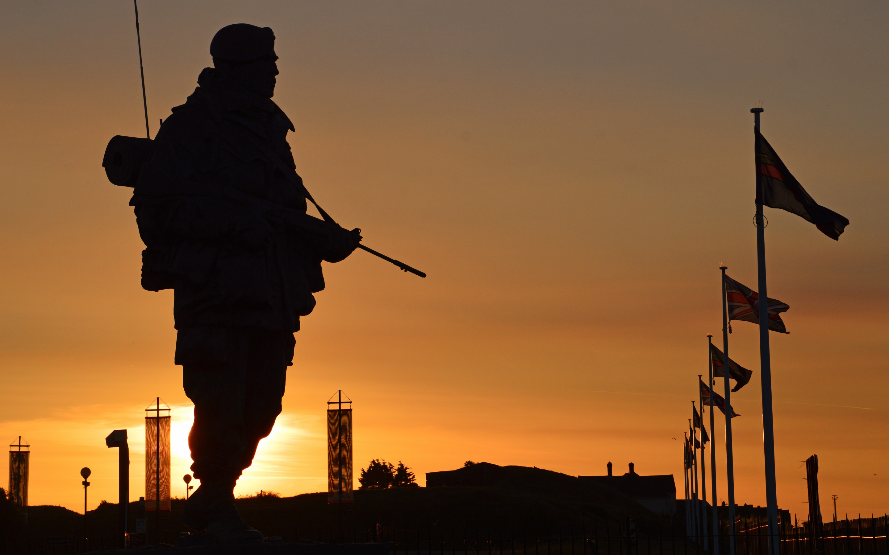 Sun Sunset Silhouette Commandos Soldiers Weapons Equipment Royal