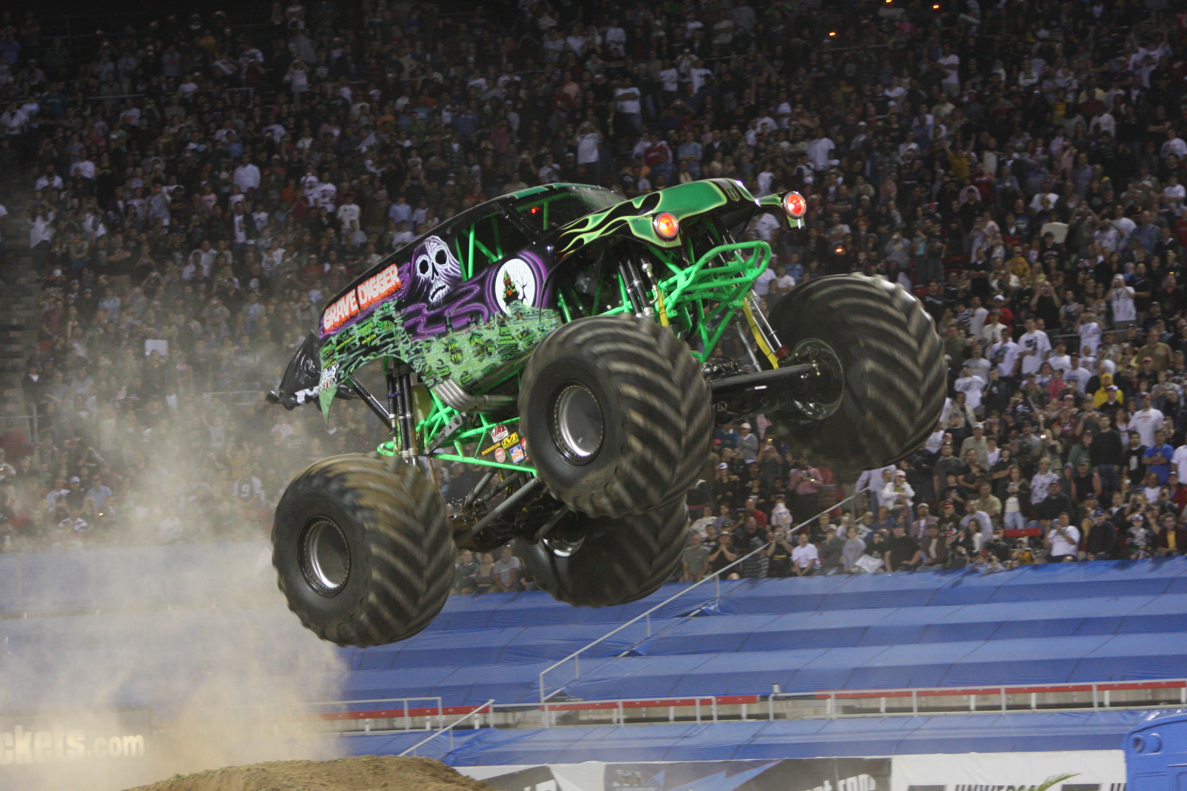 Grave digger monster truck 4x4 race racing monster truck g wallpaper 3888x2592 136860 - Grave digger wallpaper ...