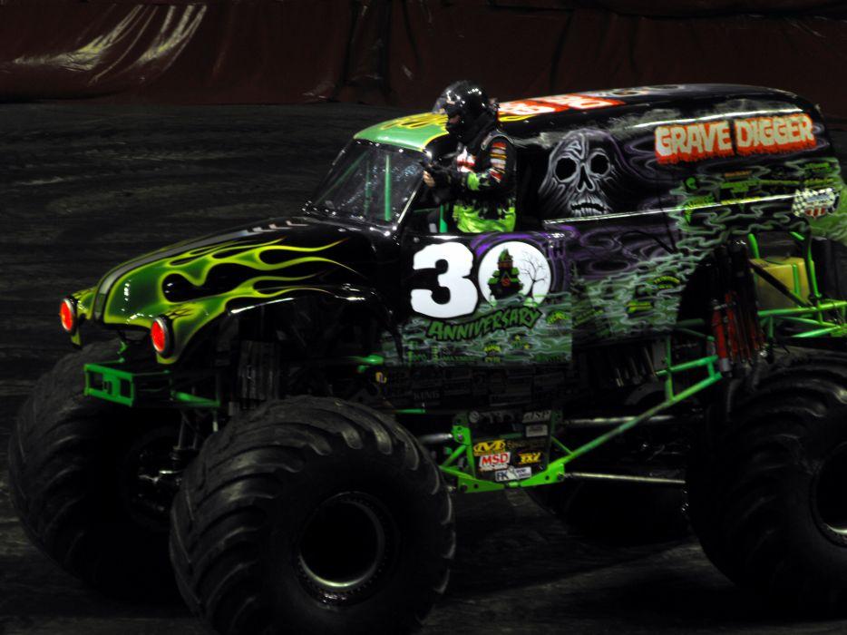 GRAVE DIGGER monster truck 4x4 race