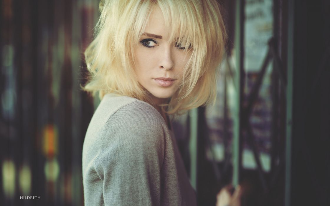 Alysha Nett Blonde wallpaper